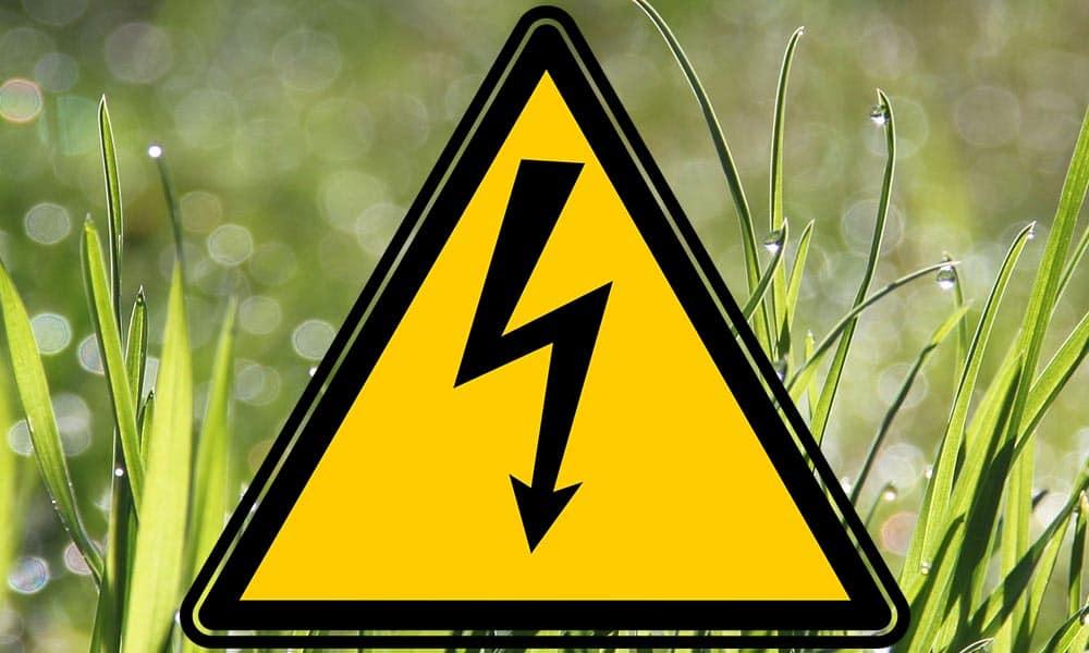Gefahr Rasenmäherkabel überfahren
